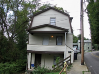 1101 College Ave. 3 Bedroom Apartment within House $385