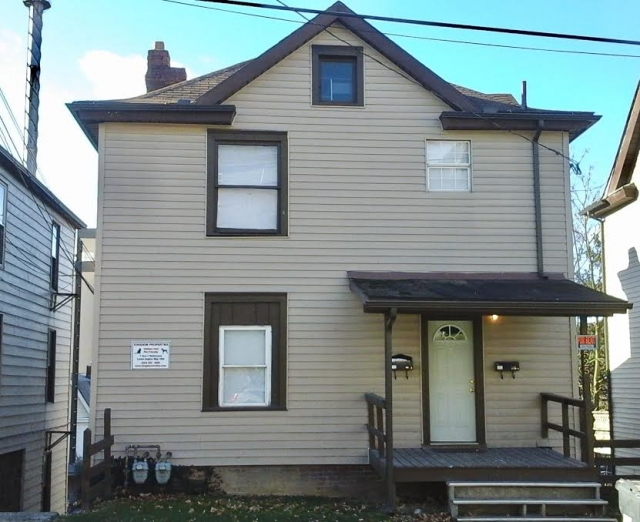 525 McLane Ave., Apt. A 4 Bedroom Apartment within House $550