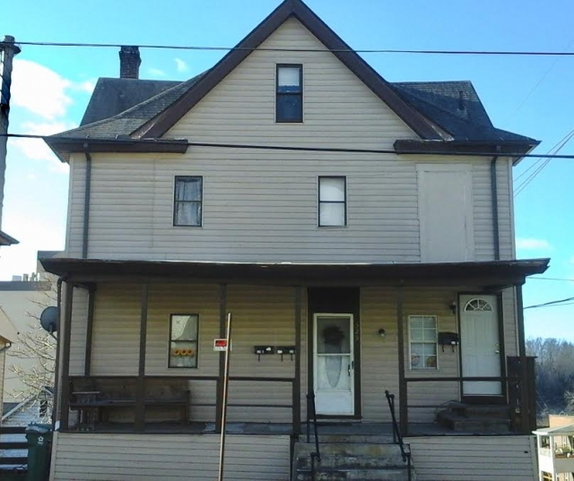 529 McLane Ave., Apt. A 1 Bedroom Apartment within House $595