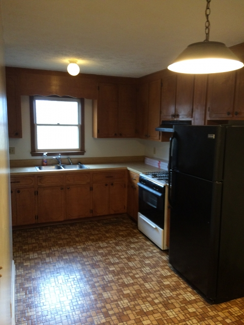 929 Union Ave. 3 Bedroom Apartment $1350