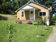 44 W Washington Ave 2 Bedroom House $700