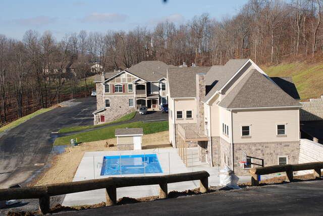 Whisper Creek Luxury Apartments 3 Bedroom Apartments $1555 - $1595