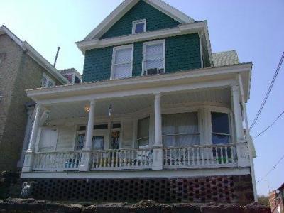 70 1/2 Kingwood St 1 Bedroom Apartment $500